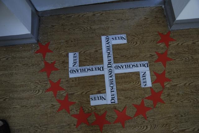 Ich legte es nieder in der Zelle des Letzten Gefangenen und Patienten von Stasi-Uhaft