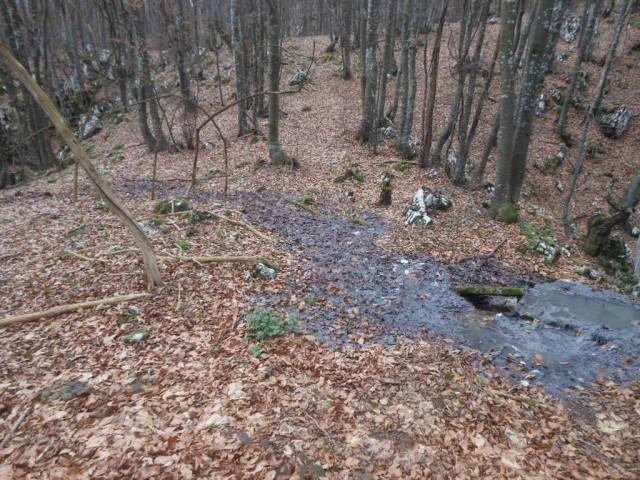 Die Kloake versickert  in nur 100 m Entfernung von dem Fluss Korana