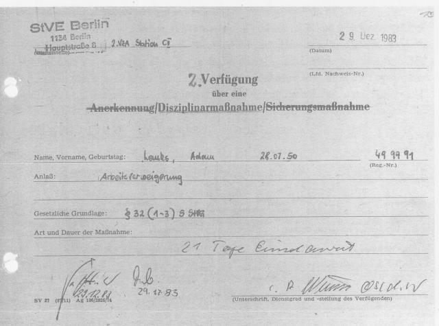 Dem Wunsch des Erziehers Oberleutnant Meyer -- Kaugummi und Riesenmienendieb