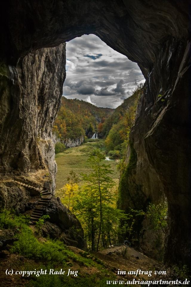 Blick auf den ersten Wasserfall des Flusses Korana