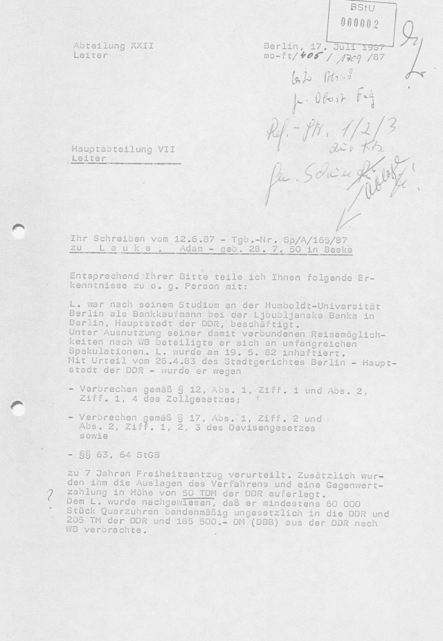 Frage ist ob das MfS  die Mappe so zurecht gelegt hatte oder  wurden Akte  bei der Signierung schon von den zuständigen Rechercheuren zusammengestellt. Für das letztere spricht die Tatsache dass man von hinten anfängt mit 17.Juli 1987 als die  angebliche Terrorbedrohung sich als eine Fehleinschätzung meiner Persönlichkeit herausgestellt hatte.