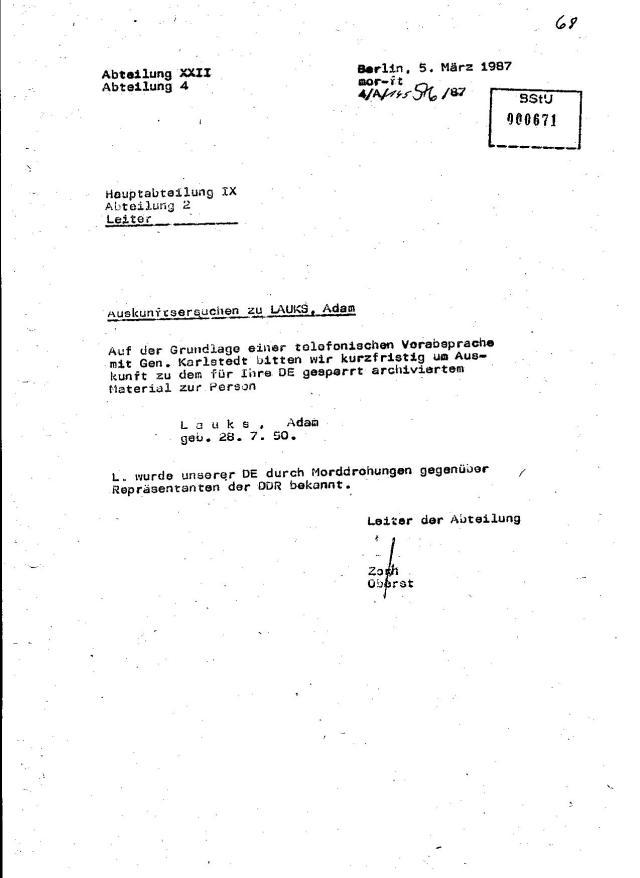 Terorabwer versucht krampfhaft unter Hochdruch den Informationsvakum über Lauks zu überwinden. Die IX/2 weiß nur über juristischen Massaker Bescheid - Die Zahl 50-60 000 muss die an Generalleutnant Mittig am 16.6.1982 gemeldet haben !