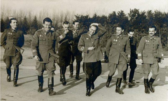 Tito-sa-generalima-NOV.-Koca-Popovic-je-prvi-s-leva-e1503040364544