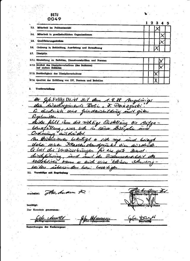 Der Gefreote Dzierzynski ist seit dem 1.9.88 Angehöriger des Wachregiments Berlin