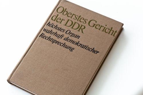 DDR-Buch_-_Oberstes_Gericht_der_DDR_-_1970