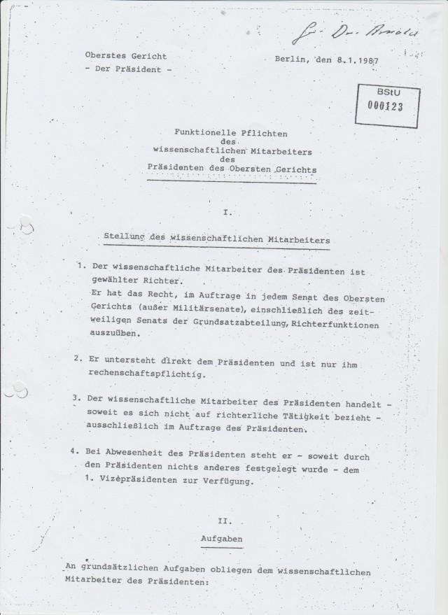 Funktionelle Pflichten des wissenschaftlichen Mitarbeiter des Präsidenten des Obersten Gerichtes- Dr. Sarge