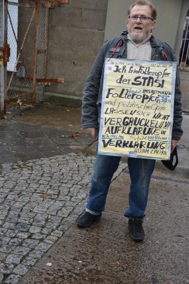 Aufklärung statt Verklärung und Leugnung von TIGERKÄFIGEN DER STAS ! 19.1016
